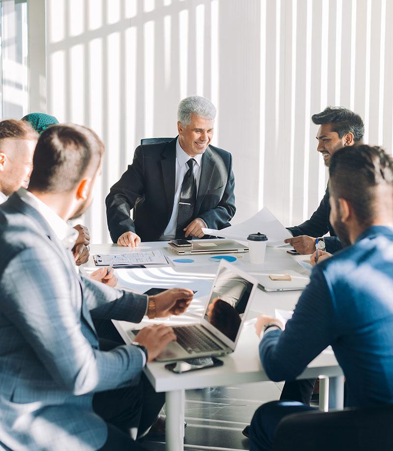 Le directeur financier est la seule personne qui peut activer les conseils d'administration pour prendre en compte toutes les conséquences à court et à long terme des décisions stratégiques proposées.